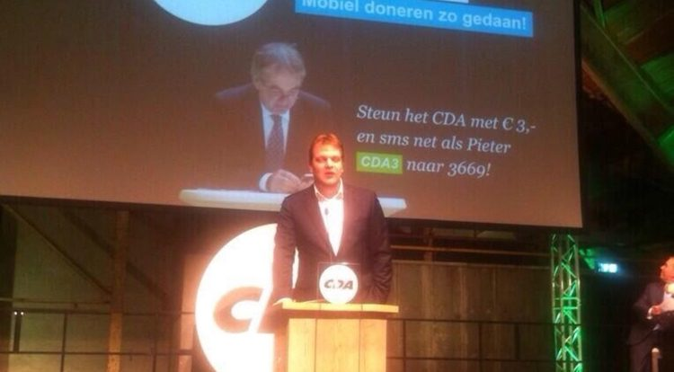 Politieke partijen CDA en D66 Nederland gaan mobiel fondsenwerven