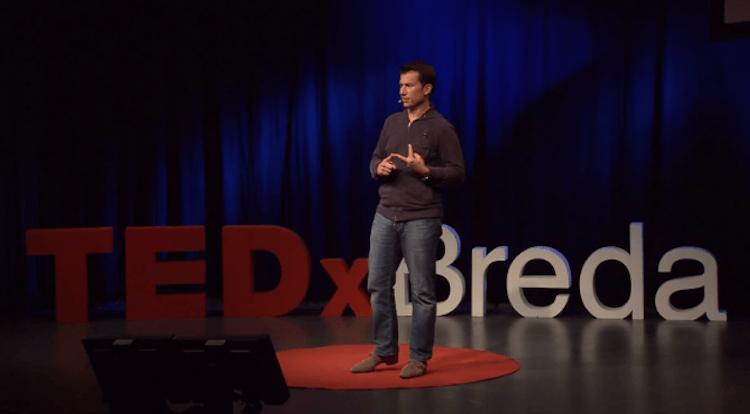 Humor, self-deprecating and briljant ideas at TEDxBreda